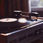 【超初心者向け】レコード屋店員が選ぶおすすめのレコードプレーヤー10選